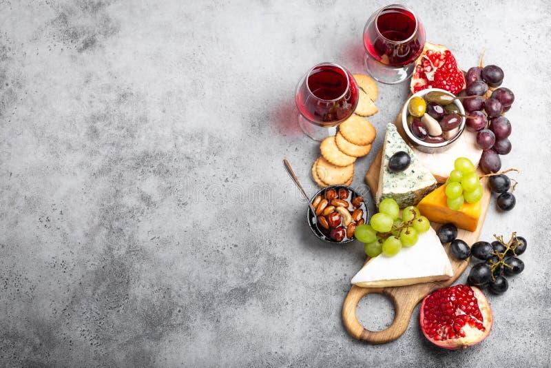 Выбор сыра и закусок стоковые фотографии rf