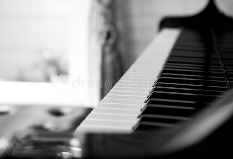 Выбранные ключи рояля фокуса стоковые изображения rf