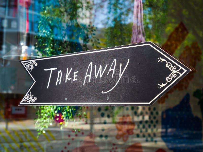 Вывести знак 'еда' в витрину магазина Закрытие Лондона стоковая фотография rf