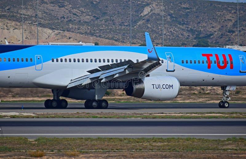 Выдвинутые щитки крыла на воздушных судн Боинга стоковая фотография rf