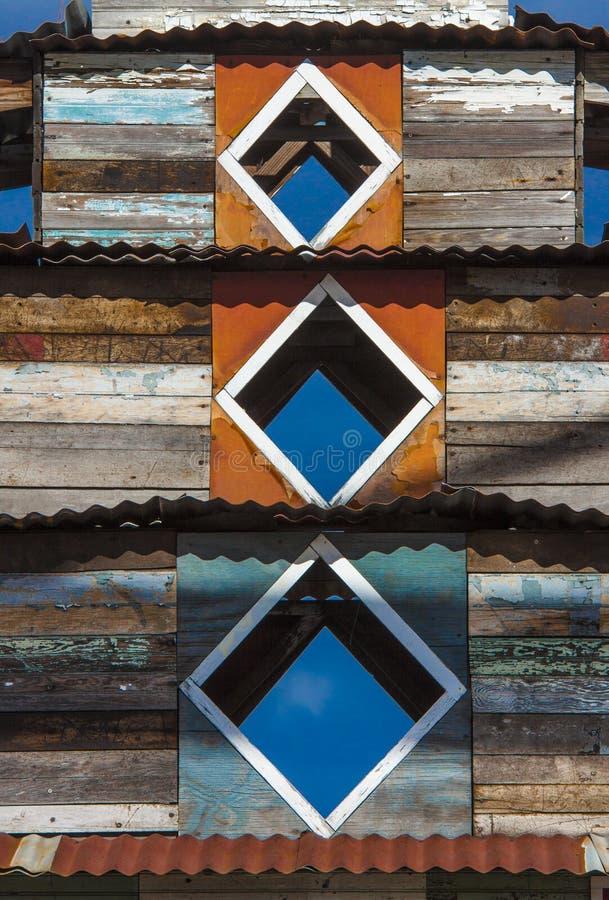 Выдержанная деревянная внешняя башня здания пагоды стоковые фото