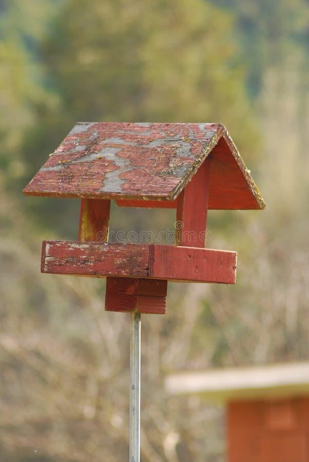Выдержанный Birdhouse стоковая фотография rf