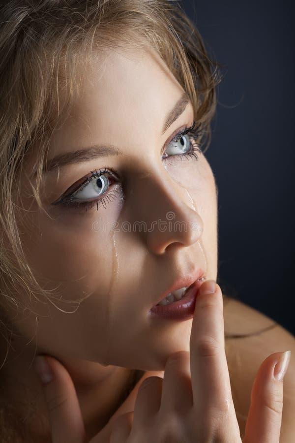 Выкрик девушки красоты стоковые изображения
