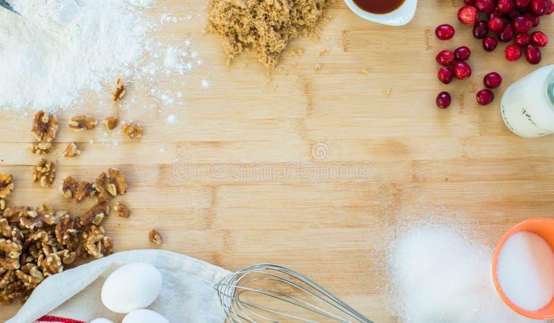 Выпечка праздника соуса грецкого ореха клюквы стоковые изображения rf