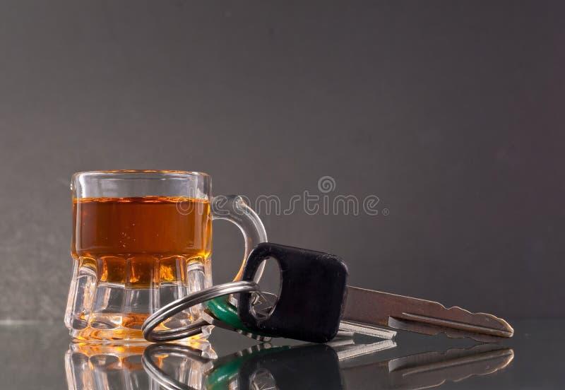 выпивая управлять стоковые фото
