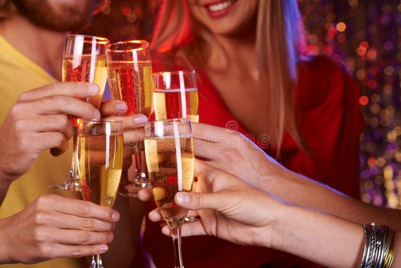 Выпивая Шампань стоковое фото rf