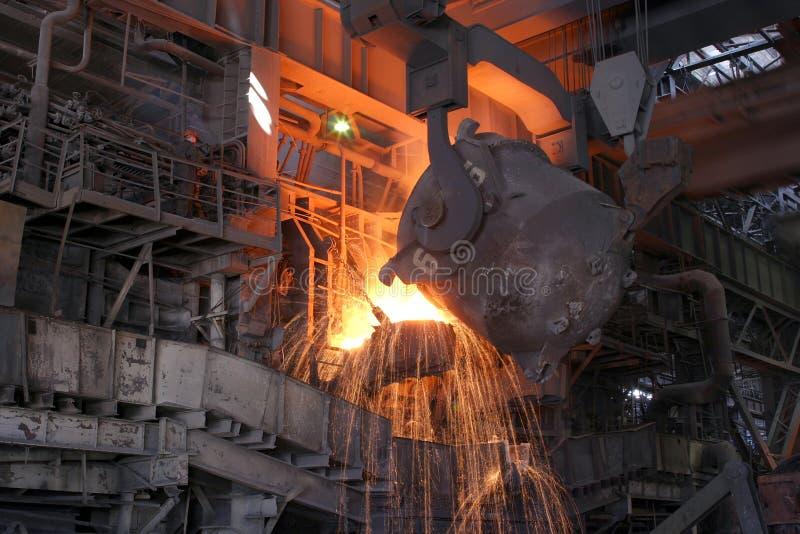Выплавка металла стоковые изображения
