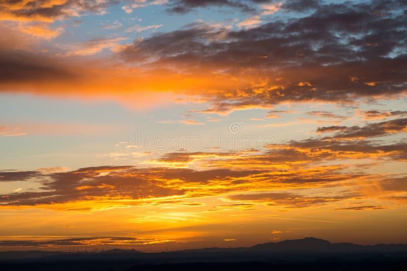 Выравнивать заход солнца в Devin стоковые фото