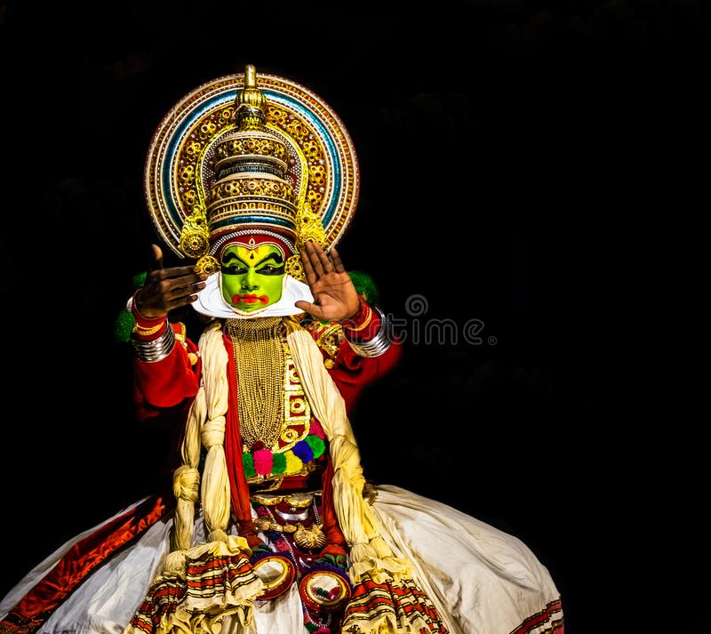 Выражение людей танца Kathakali Кералы классическое стоковое изображение