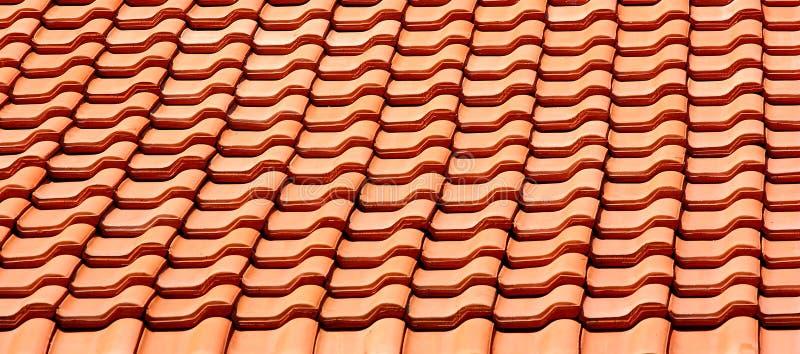 выровняйте плитку крыши стоковое изображение