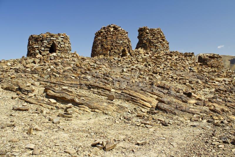 Выровнянный вверх по драматически на скалистом гребне, усыпальницы улья стоковая фотография rf