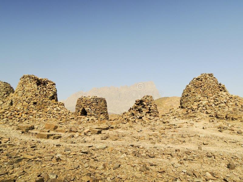 Выровнянный вверх по драматически на скалистом гребне стоковое фото rf