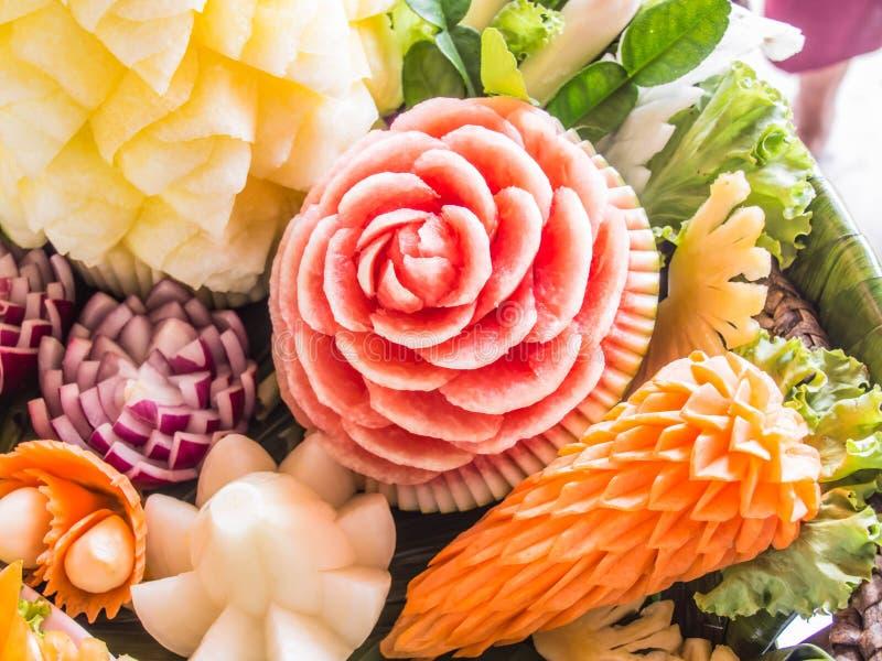 Высекаенные плодоовощ цветки формы красивые стоковое фото rf