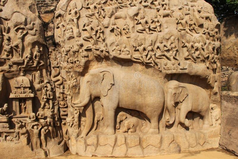 Высекаенные слоны утеса отрезали висок Varah стоковые фото