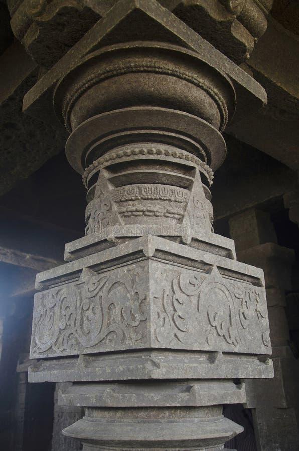Высекаенный штендер, висок Palasdeo, около запруды Ujani, махарастра стоковые изображения