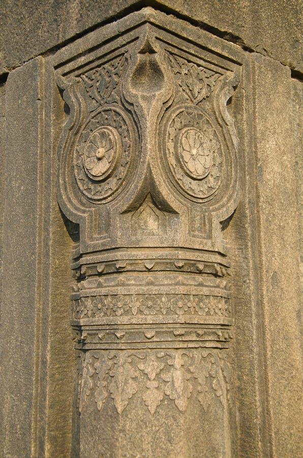 Высекаенный штендер усыпальницы shah Али Barid, Bidar, Karnataka стоковая фотография rf