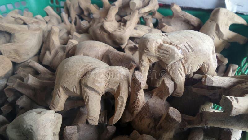 Высекать teak слона деревянный стоковое изображение rf