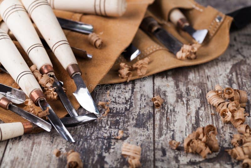 высекающ инструменты деревянные стоковые фотографии rf