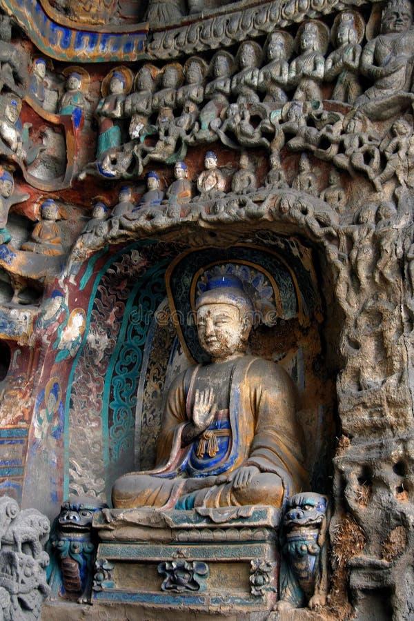 высекая каменное yungang 25 стоковое фото