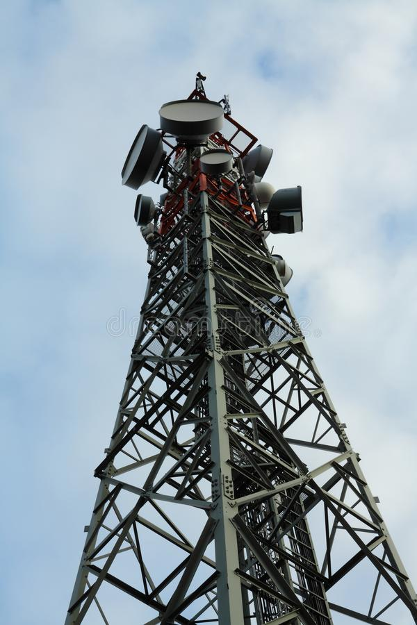 Высокая башня клетки стоковое изображение rf