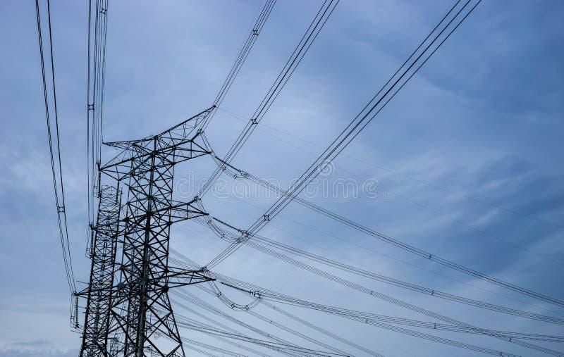 Высокая башня электрическая стоковое изображение