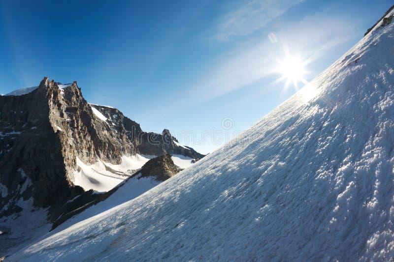 высокая гора стоковое фото rf
