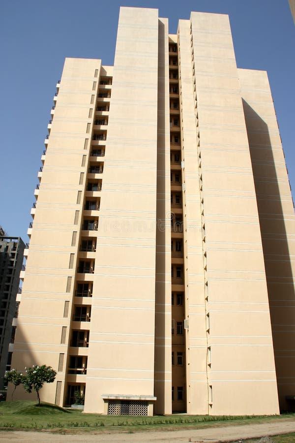 Высокие здания подъема, Jaypee зеленеют, Noida, Индия стоковая фотография rf
