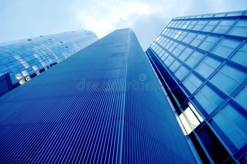 высокие самомоднейшие небоскребы стоковая фотография rf