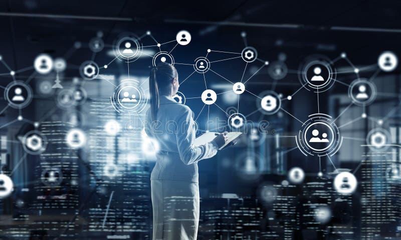 Download Высокие технологии для вашего успеха Мультимедиа Стоковое Фото - изображение насчитывающей социально, цифрово: 81809192