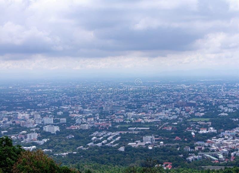 Высокий взгляд города в Чиангмае, Таиланде стоковые фотографии rf