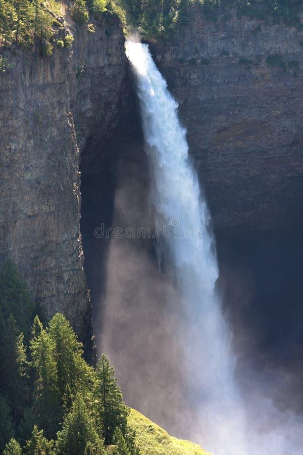 высокий водопад стоковое фото
