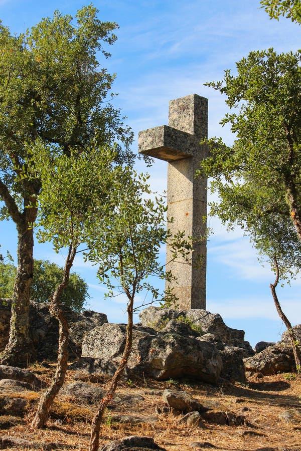 Высокий перекрестный памятник стоковая фотография