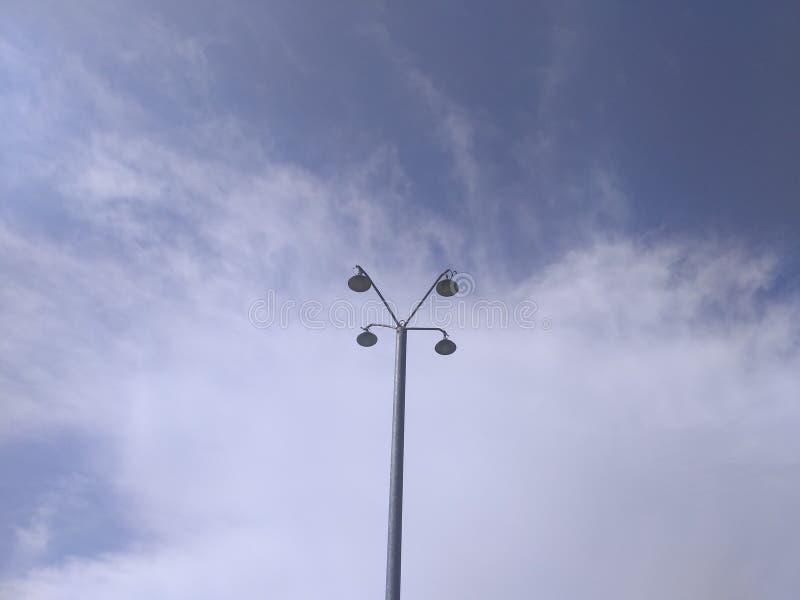 Высокий фонарный столб стоковое фото rf