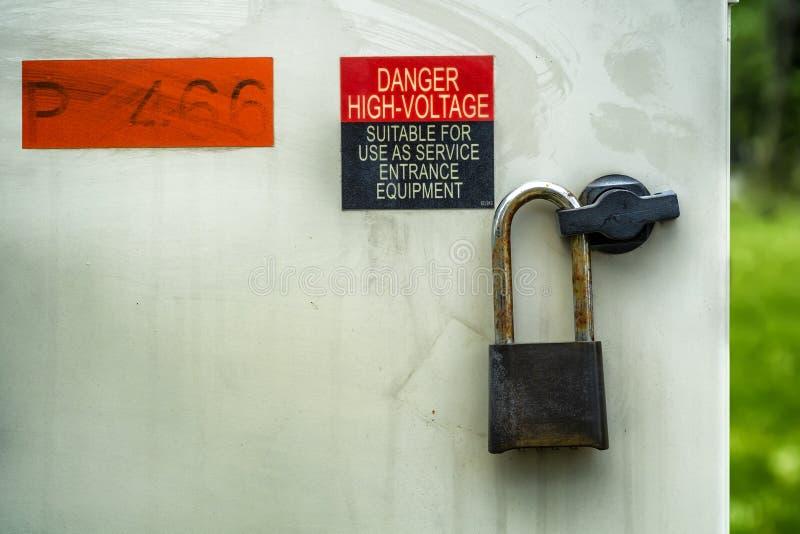 Высоковольтная коробка обслуживания стоковая фотография