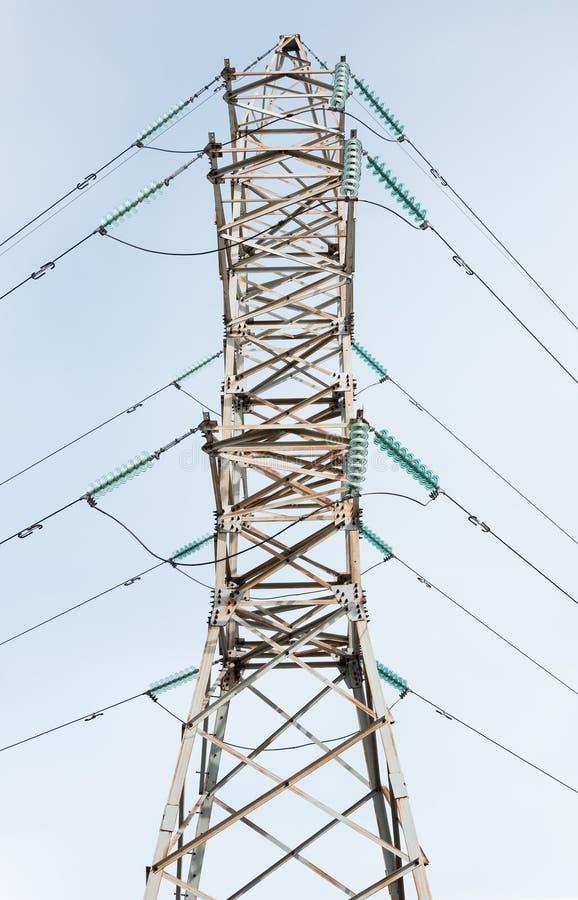 Высоковольтный башн-поляк электричества Промышленный ландшафт стоковое фото