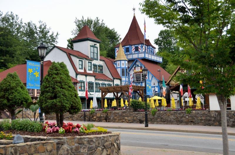 Высокогорная деревня в Хелене, Georgia стоковые изображения rf