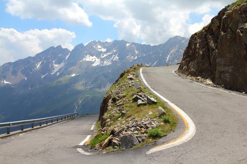 высокогорная дорога Италии стоковое изображение rf
