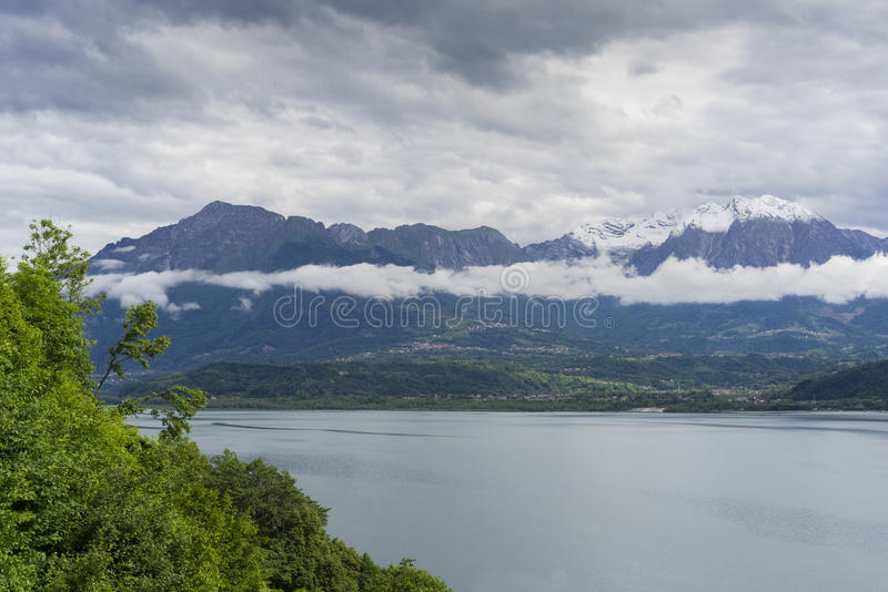 Высокогорное озеро Santa Croce стоковое изображение