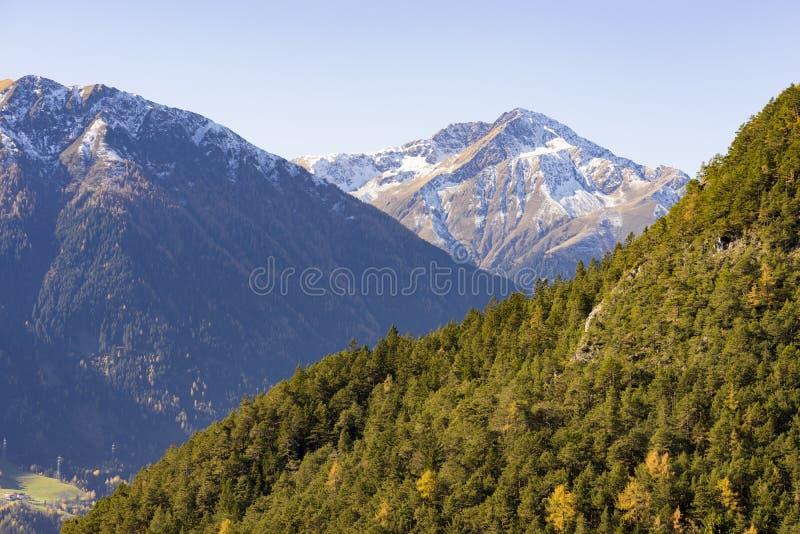 Высокогорный ландшафт в Тироле, Австрии стоковое изображение rf
