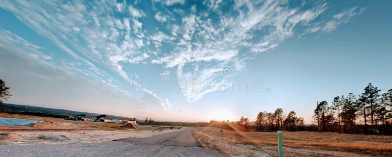 Высокое восходящее солнце стоковые изображения rf