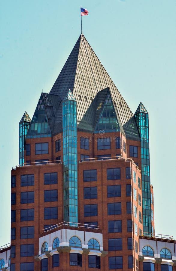 Высокорослый небоскреб в Milwaukee Висконсине стоковое изображение