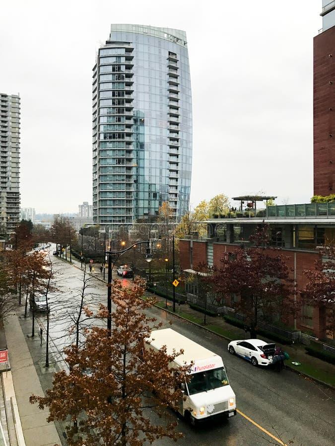 Высокорослый стеклянный строя центр города Ванкувер, ДО РОЖДЕСТВА ХРИСТОВА стоковое фото rf
