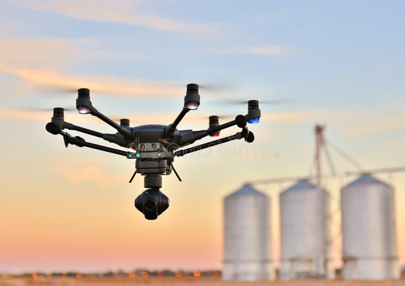 Высокотехнологичный трутень камеры обзора в земледелии & x28; UAV/UAS& x29; стоковое изображение rf