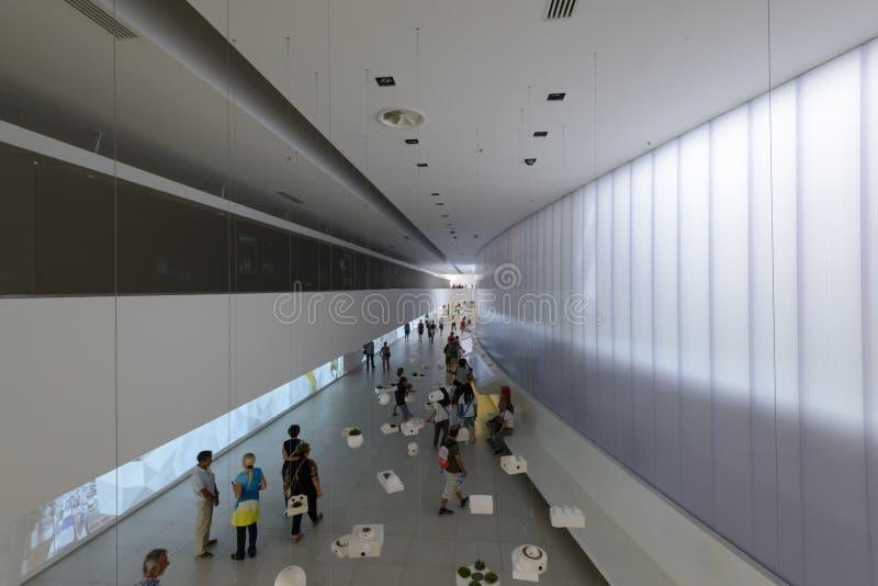Выставка внутри павильона Бразилии сверху, милан 2015 ЭКСПО стоковые фотографии rf