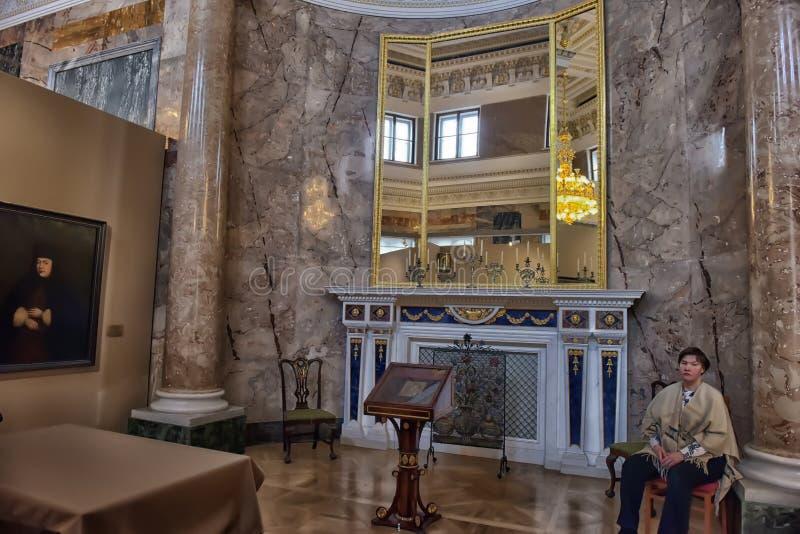 Выставка красить Питер большой Времяе и место стоковые фото