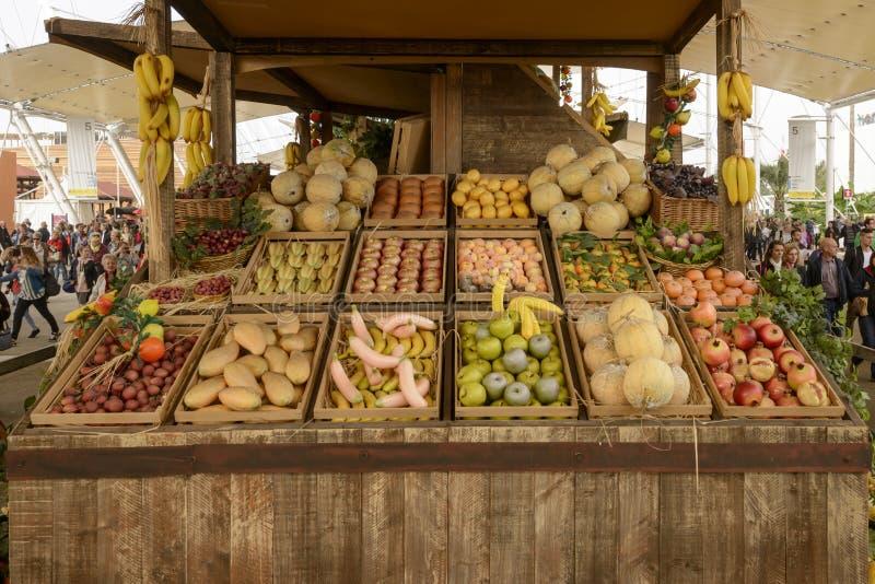 Выставка модель-макета еды на Decumano, милана 2015 ЭКСПО плодоовощ стоковое изображение rf