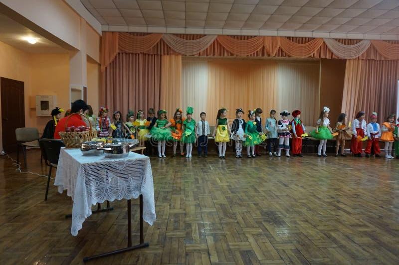 Выставка осени детей стоковое изображение