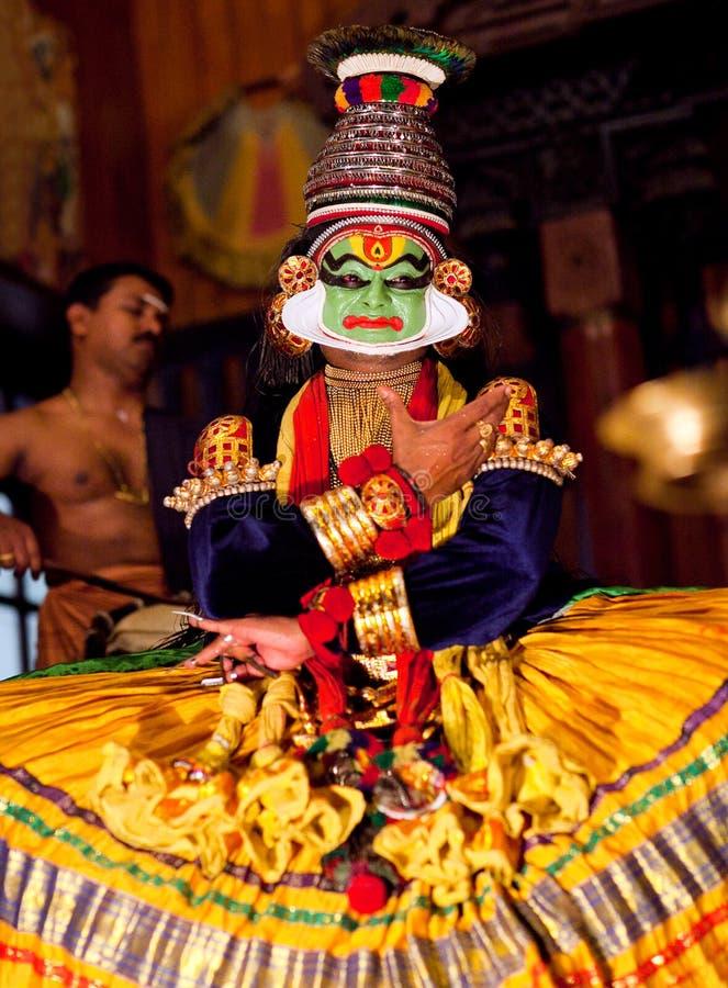 Выставка Kathakali в Керале, Индии стоковая фотография