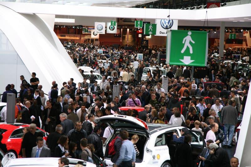 выставка paris мотора 2008 толп стоковые изображения rf