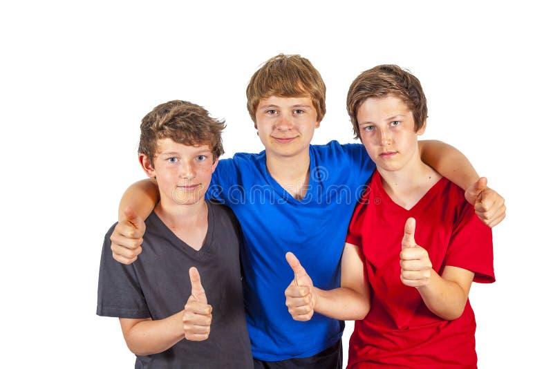 Download 3 выставки мальчиков и друзей Thumbs вверх Стоковое Фото - изображение насчитывающей малыши, семья: 40577204
